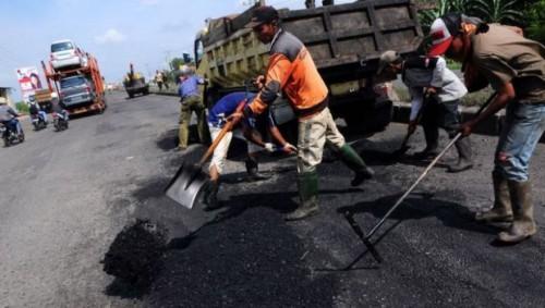 Dana Desa Bantu Pemdes Cihideung Udik Perbaiki 3 Titik Ruas Jalan